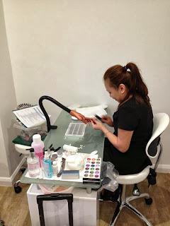 nail-technician-training