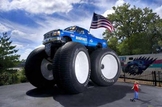 Foto The Guinness Book of World Records Mobil Remote Control (RC) Terbesar di dunia