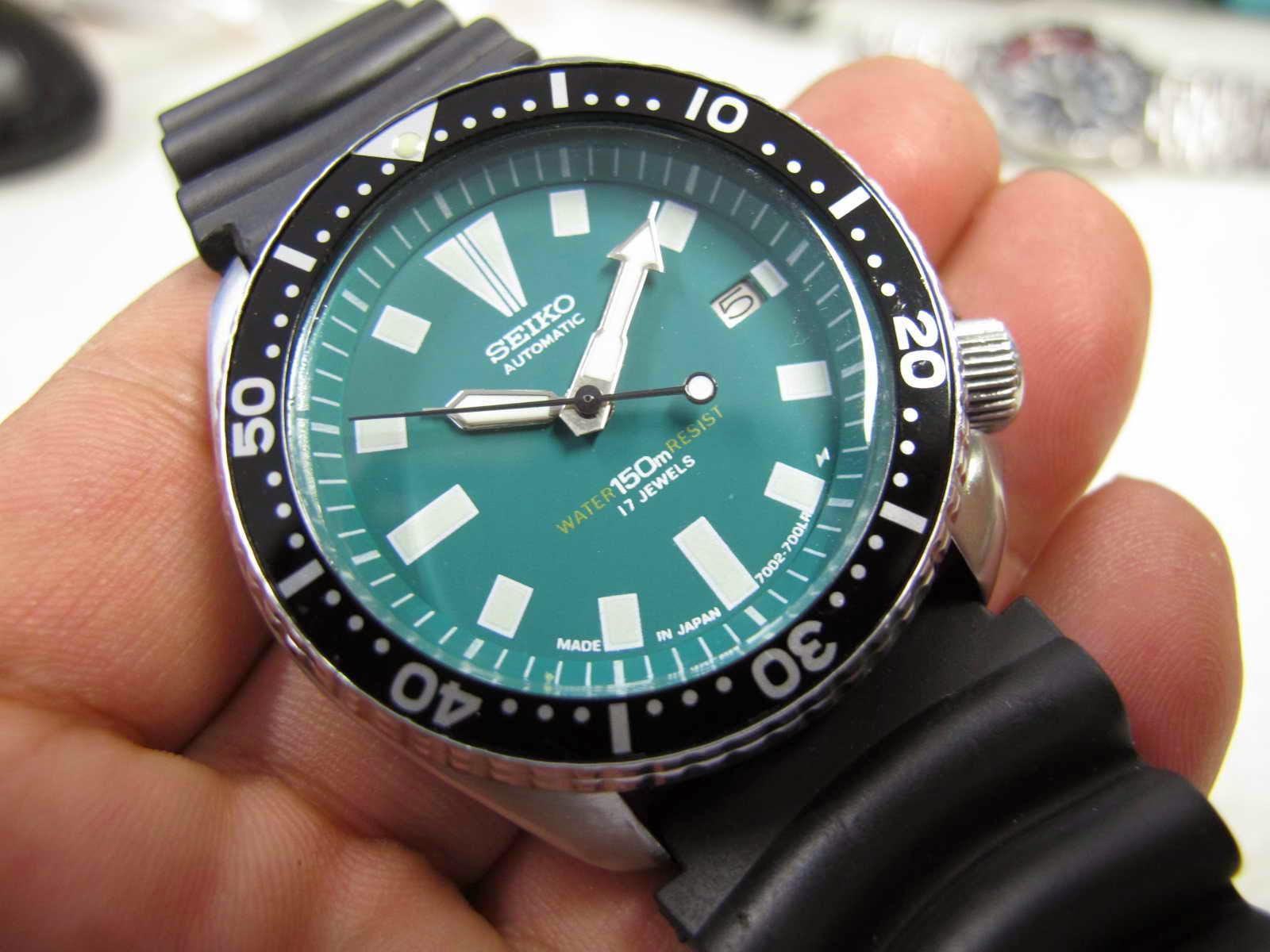 Tebal case 13 mm dan lebar lug 22 mm Kondisi jalan bagus tepat waktu Cocok untuk Anda yang sedang mencari jam tangan model Diver simple and