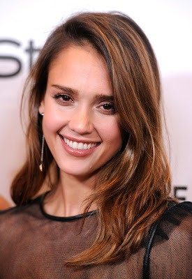 Jessica Alba Layered Cut Hairstyle Lookbook