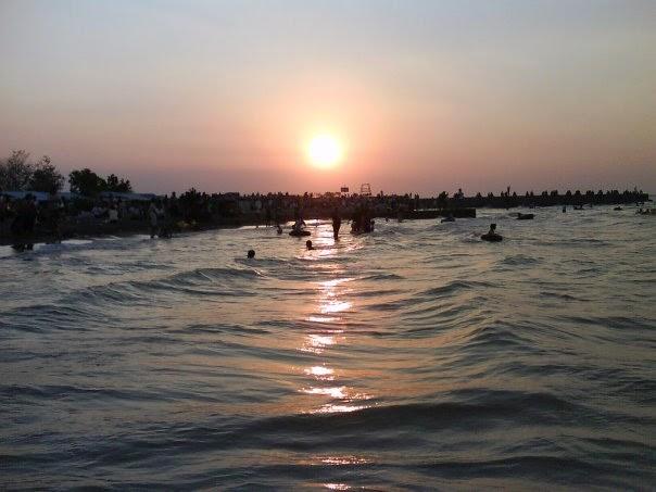 Saat Sunset di Pantai Maron Semarang