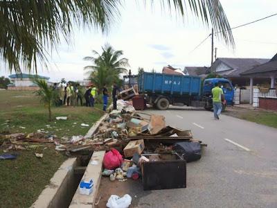 Bantuan MPAJ Kepada Mangsa Banjir Kuantan