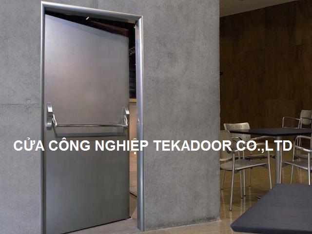 cửa chống cháy inox SUS 304 nhãn hiệu Tekadoor