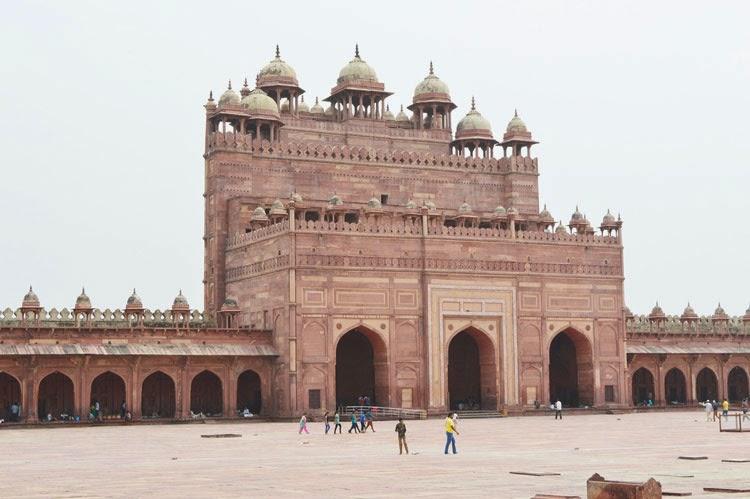 Buland darwaza inside