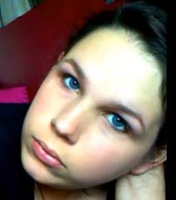 Dark blue eyes