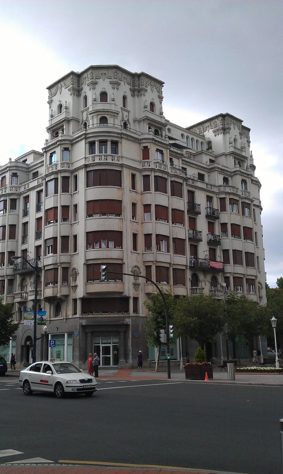 Edificios de bilbao edificio de viviendas en gran v a for Gimnasio gran via