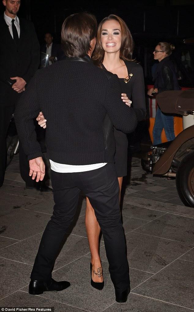 الموديل البريطانية تمارا ايكلستون في لحظات حميمة مع زوجها