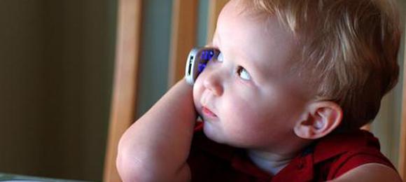 teléfonos celulares niños