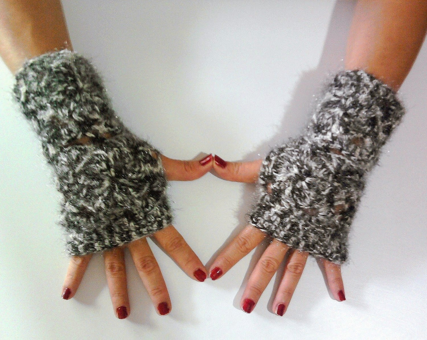 https://www.etsy.com/listing/64099524/christmas-sale-crochet-fingerless-gloves?ref=shop_home_active_14