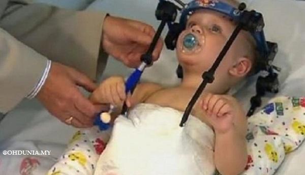Jackson Taylor ketika menjalani rawatan di hospital