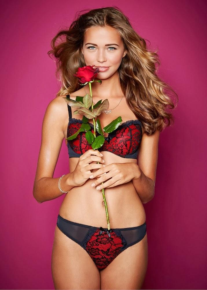 hot model bikini body-Sandra Kubicka Lingerie 2014