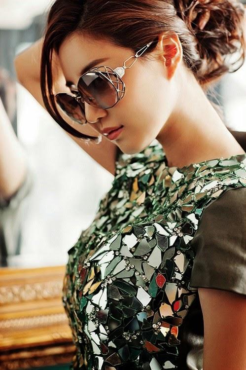 Kim Sarang Elegant Beauty Swarovski