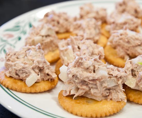 Tuna Salad With Crackers 1/2 kilo white meat tuna (cut