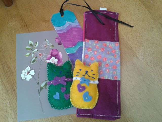 Bookmarks and felt cats