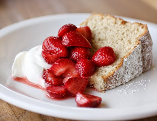 lisa is cooking: Brown Sugar Angel Food Cake