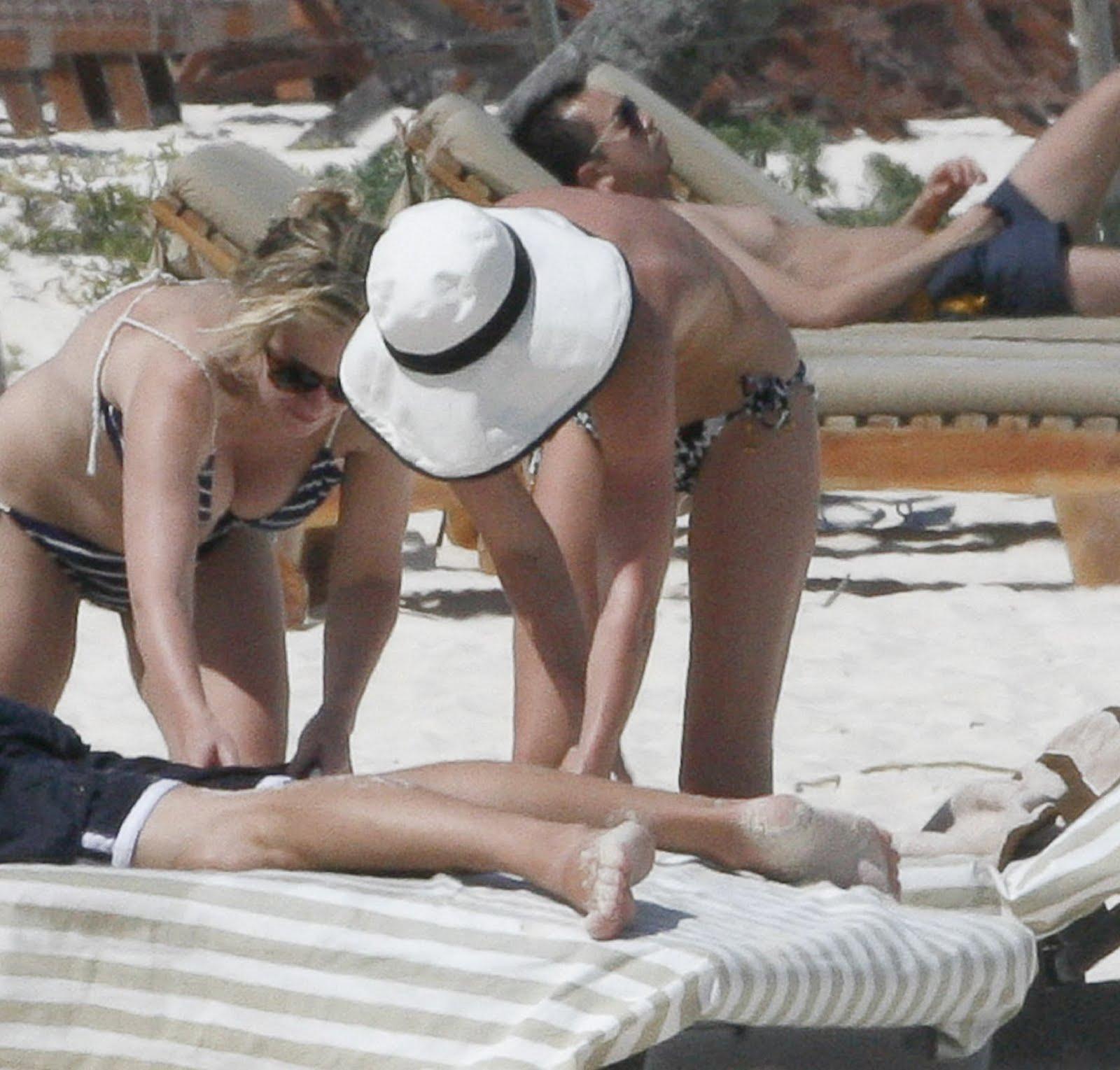 http://1.bp.blogspot.com/-LhFtdYl8bTw/TaOzm5uI0FI/AAAAAAAAEy4/4pToNr8lDW8/s1600/Kate+Bosworth+Topless+Bikini+Candids+At+The+Beach+www.GutterUncensoredPlus.com+009.jpg