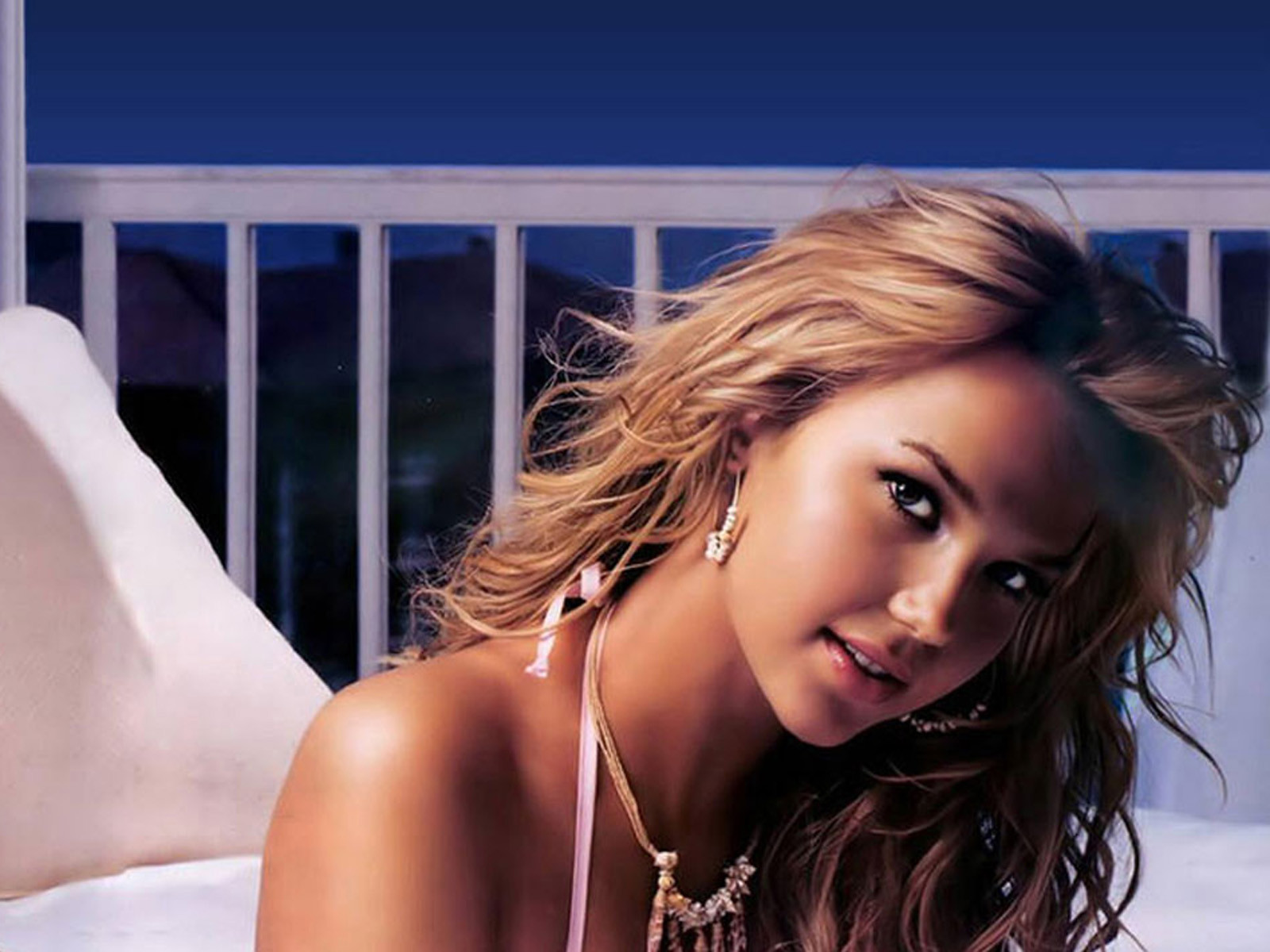 Arielle Kebbel Wallpapers
