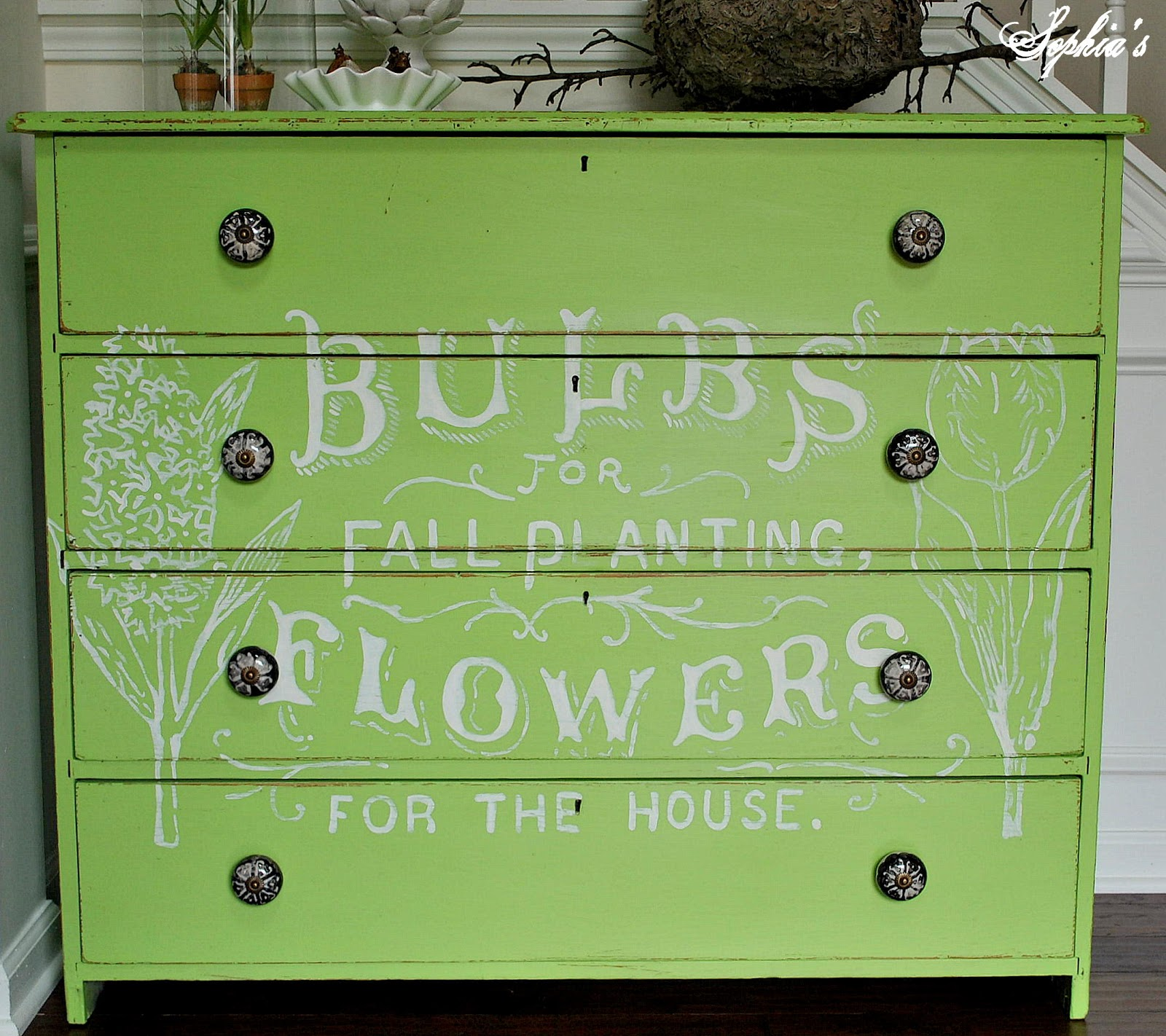 Fresh and Green Flower Ad Dresser
