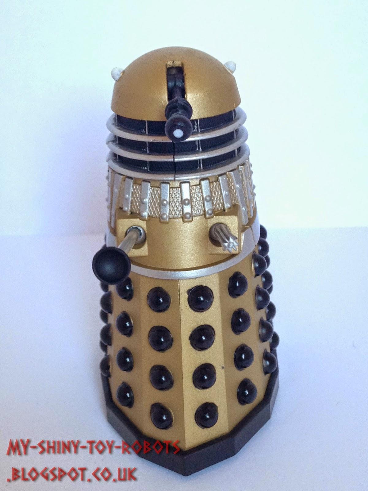 Gold Dalek front