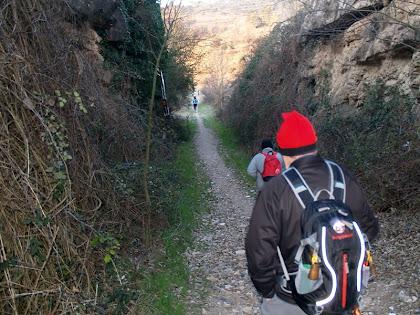 Caminant per un tram de l'antic carrilet de Manresa a Berga