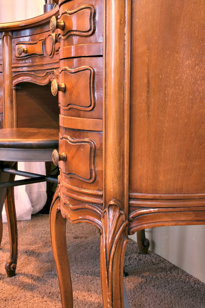antique kidney shaped leather top writing desk