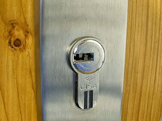 Instalación de cerraduras de seguridad en Costa Ballena