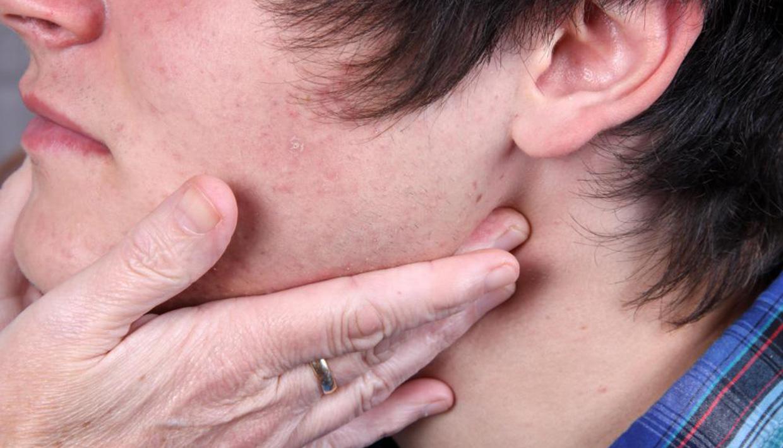 El complejo lfk a la osteocondrosis de la columna vertebral del vídeo