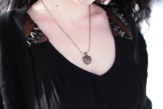 eShakti dress heart necklace
