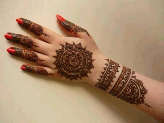 Arabic styles of mehndi circles
