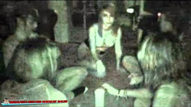 Inilah Video Ritual Mengerikan Cara Memanggil Hantu
