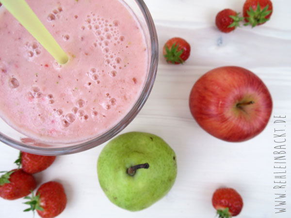 Thema Ernährung. Meine Ernährungsumstellung. Gesunde Ernährung. Smoothie mit Erdbeeren.| Foodblog rehlein backt