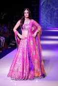 Kriti Sanon Latest Pictures at IIJW 2015-thumbnail-3
