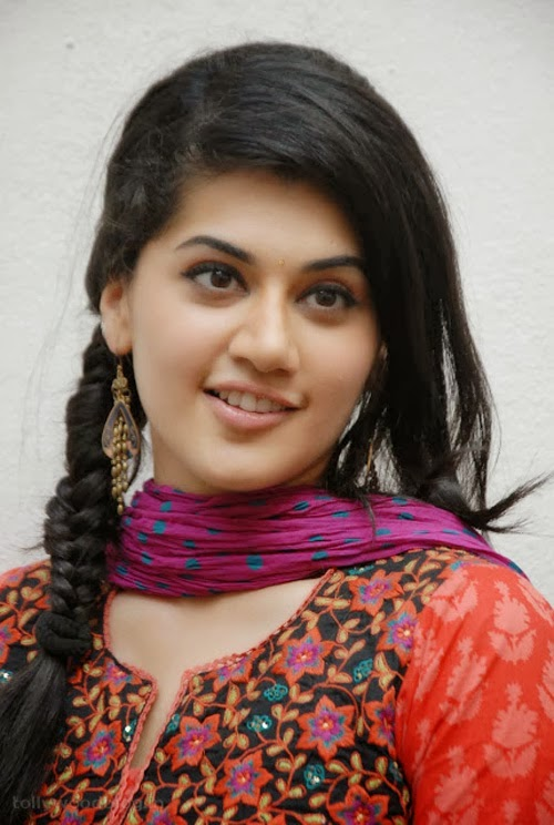 Gorgeous+Taapsee+Pannu+in+Traditional+Dress007