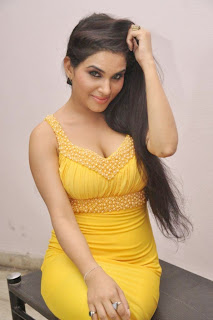 Kavya Singh Hot Images