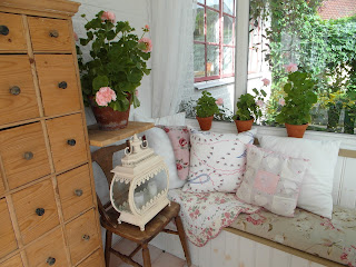 Lådskåp, pelargonier, rosa, uterum