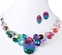 http://www.bijuteriifrumoase.ro/cumpara/set-bijuterii-cu-cristale-swarovski-color-reflections-1125