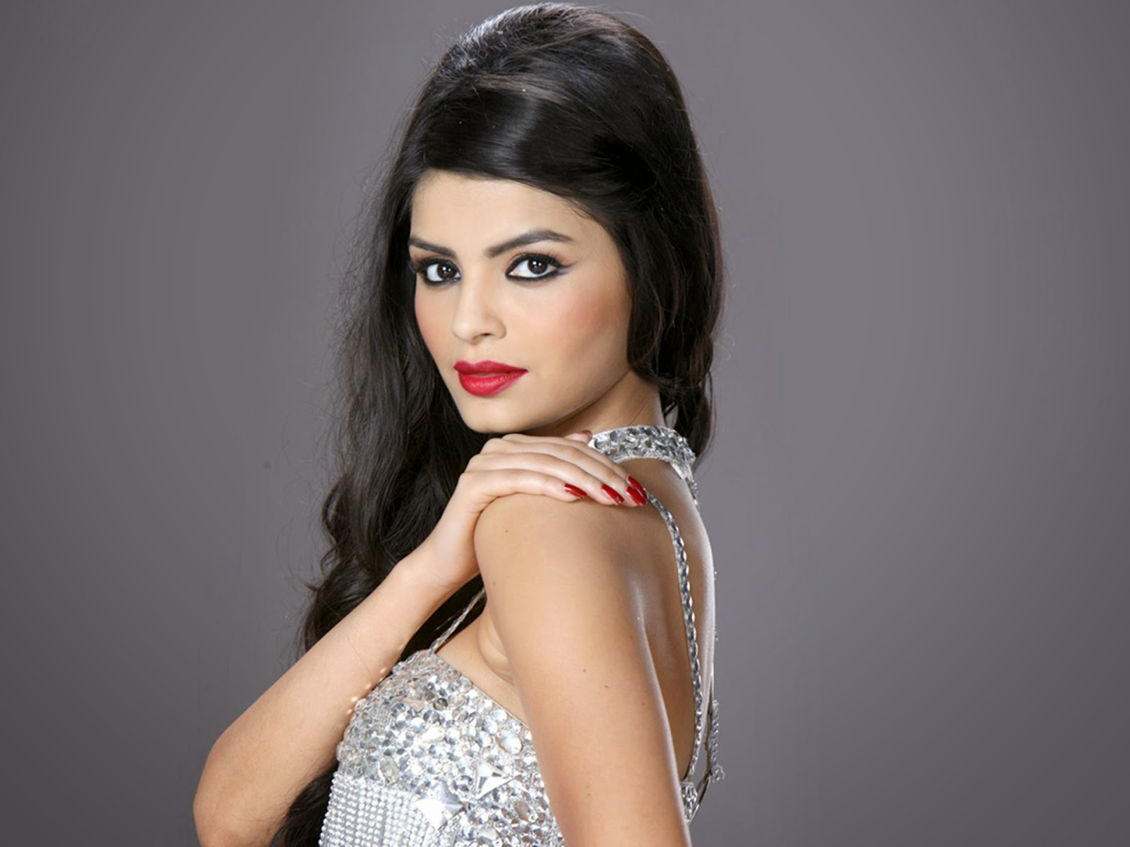 Sonali Raut HD Wallpapers Free Download