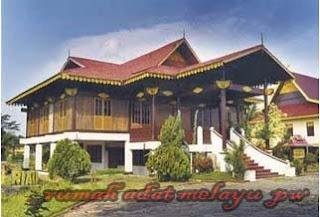 Keberagaman dan keunikan rumah adat di Indonesia yang terkenal di mata dunia,Rumah Adat Melayu Selaso Jatuh Kembar Riau