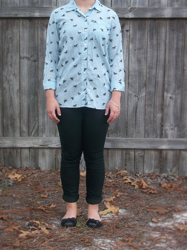 a button down from Brandzaffair and a fun giveaway outfit gap button down black skinny jeans black bow flats simple jewelry