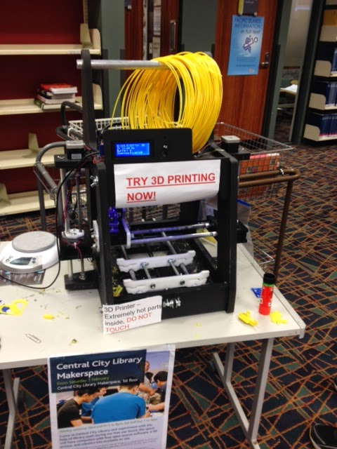 The MindKits 3D printer at Auckland Library.
