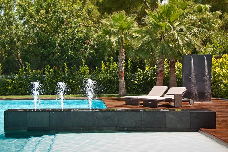 La piscina que revaloriza tu casa lucas gunitec for Chorros para piscinas precios
