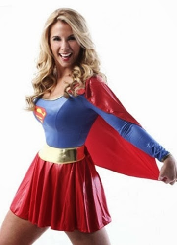 Carla Perez fantasiada de Super Mulher