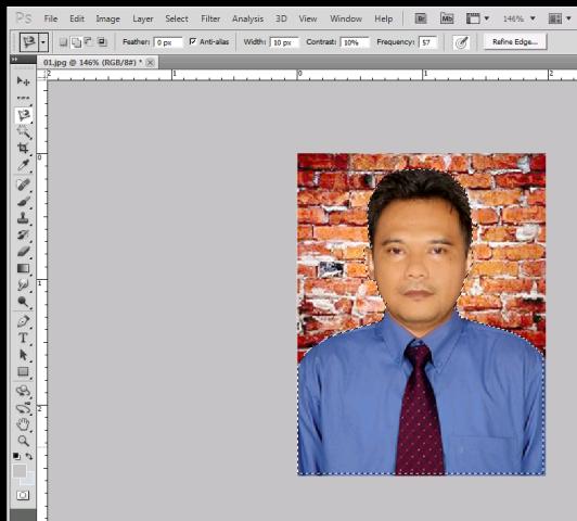 Setelah diseleksi dengan rapi, klik kanan pada gambar kemudian pilih ...