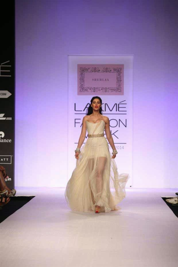 Nargis Fakhri showcases a creation by Shehla Khan