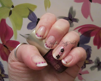 Flowers_and_dots_nail_art