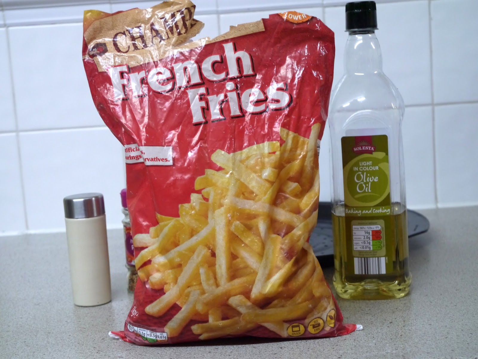 how to cook frozen french fries oven