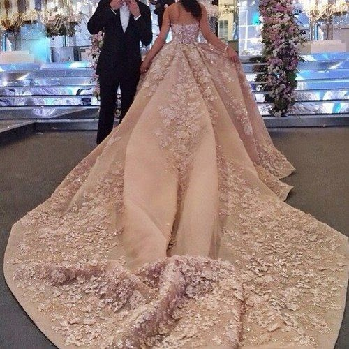gorgeous-wedding-dress-with-long-train