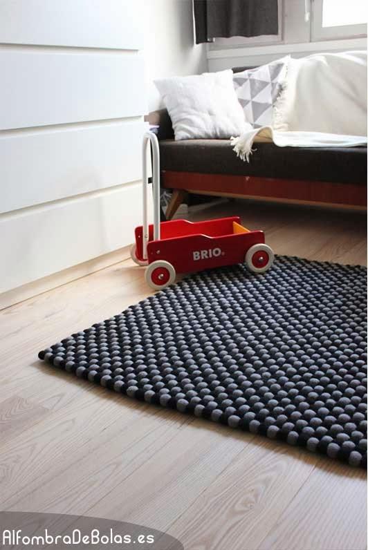 Decor me alfombras de bolas de fieltro con un origen muy for Origen de alfombra