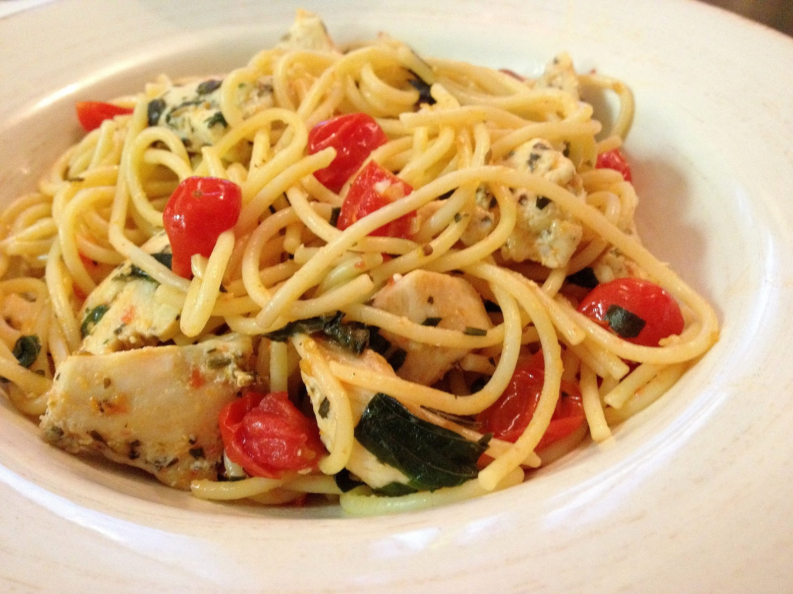 KitchenJoy: Spaghetti with Sauteed Chicken & Grape Tomatoes