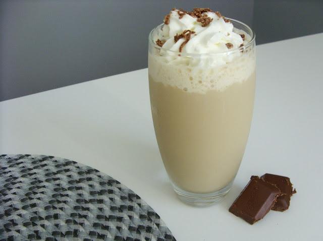 Przepis na orzeźwiający napój kawowy